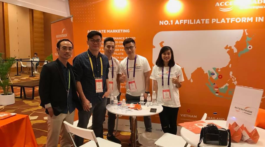 Equipo de Access Trade (Vietnam) en Affiliate Summit APAC 2018
